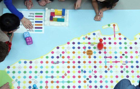 Настольная игра, которая учит детей строить города