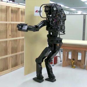 Смогут роботы заменить людей на рабочих местах?